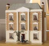 Montgomery Hall; poppenhuis; poppenhuizen; schaal 1op12