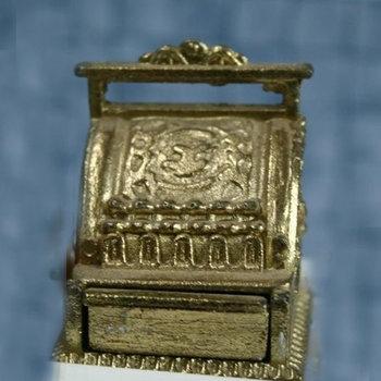 Antieke kassa, zilverkleurig