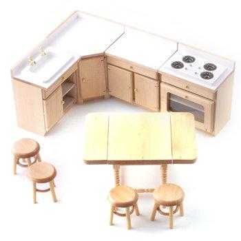 Keukenblok met eettafel