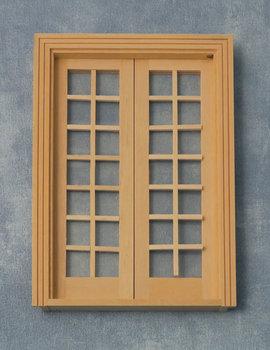 Blank houten openslaande deuren met 28 ramen