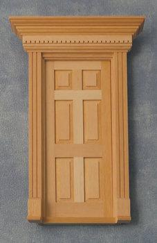 Blank houten voordeur