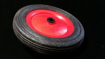 Rood/zwart wiel 130 mm met profielband