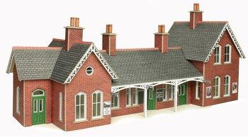 Landelijke stationsgebouwen
