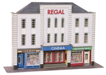 Bioscoopgebouw met 2 winkels in half reliëf