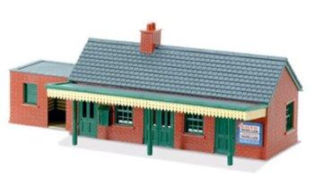 Stationsgebouw met rode baksteen