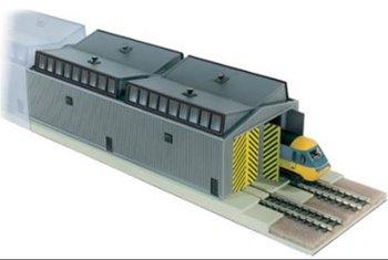 Locomotievenloods voor dubbelspoor