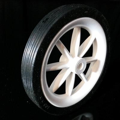 Witte kunststof wiel 102 mm met spaken en zwarte band