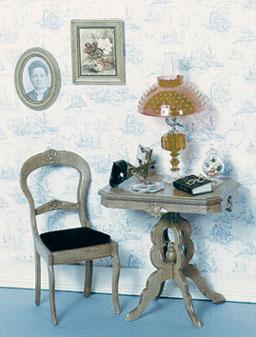 Victoriaanse tafel, stoel, 2 schilderijen en stereoscoop