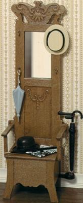 Halstoel met spiegel, paraplu, hoedje etc.