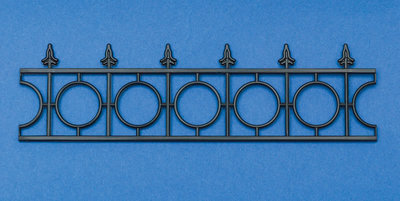 Zwart plastic railing 42*153 mm