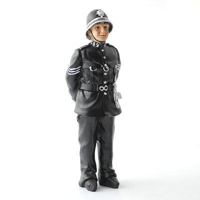 Bobby, Engelse agent