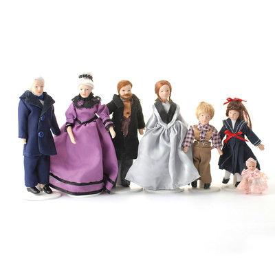 Set van 7 Victoriaanse poppen