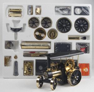 Bouwpakket voor stoomtractor zwart/messing D406