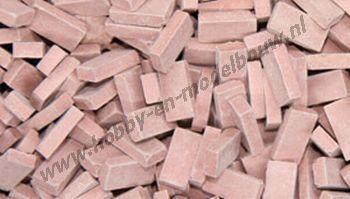 Middelrode steen 1:24. Afm.: 10 x 4,8 x 3 mm