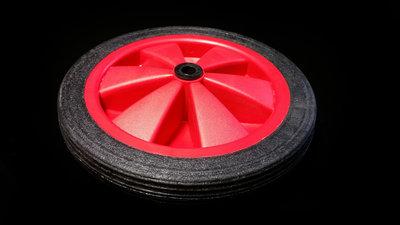 Rood/zwart wiel 140 mm met profielband