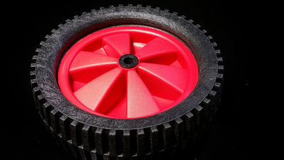 Rood/zwart wiel 150 mm met tractor-profielband