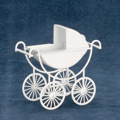 Witte metalen kinderwagen