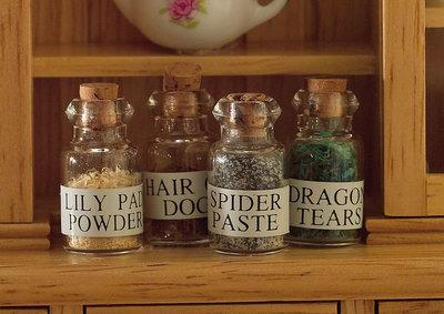 4 potjes heksendrankjes
