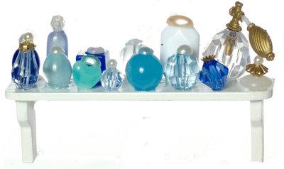 Badkamerplankje met blauwe accessoires