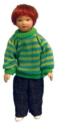 Modern jochie gekleed in een sweater