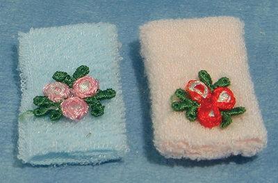 Setje handdoeken met bloemen