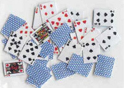 Spel kaarten; miniatures world; Poppenhuis 1:12; 1op12; miniaturen poppenhuizen; poppenhuizen; hobby en modelbouw; poppenhuis m