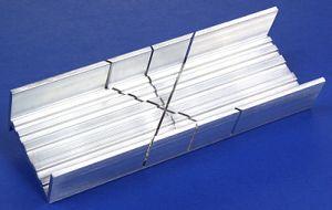 Verstekbak; aluminium; Scheermeszaag; proedge; zaaggereedschap; modelbouw; hobbywerk;  gereedschap; gereedschappen
