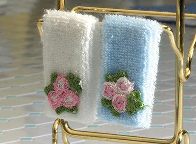 Setje handdoeken; Poppenhuis 1:12; 1op12; inrichting voor poppenhuizen; poppenhuizen;